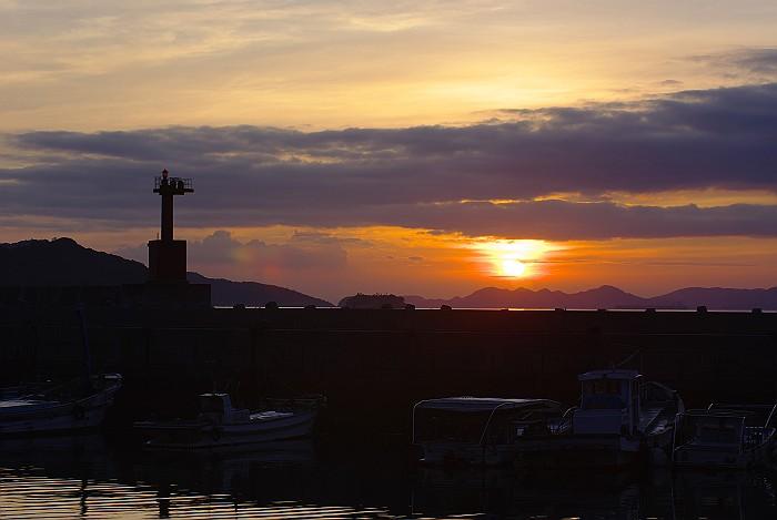 漁港の夜明け_c0152379_839147.jpg