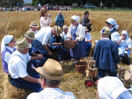 バイエルン夏の祭り Ernte-Vorfuehrung_f0116158_19135252.jpg