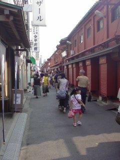 千葉への旅、最終回…浅草 雷門。_f0177295_1075888.jpg