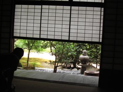 vol.418. 京都紫野・大徳寺〜「上様」の墓所に「猫」を見た_b0081338_3481870.jpg