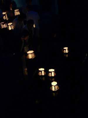 わきみず寺の灯篭流し_f0141310_23403771.jpg
