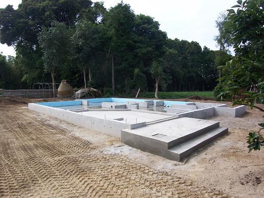 宮ヶ崎の家 基礎工事完了 2008/8/20_a0039934_19112274.jpg