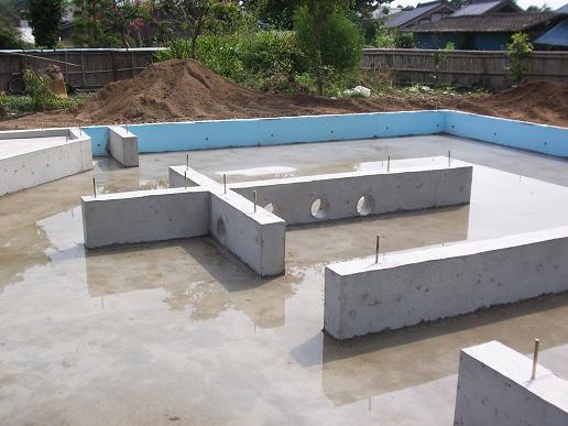 宮ヶ崎の家 基礎工事完了 2008/8/20_a0039934_19173781.jpg