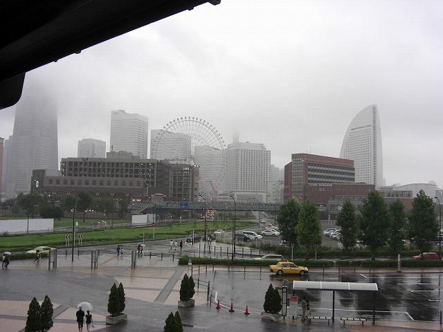 雨の みなとみらい・・・。_e0054438_10493194.jpg