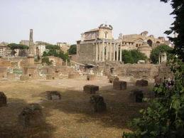 ローマの休日 フォロ・ロマーノ  コロッセオ_a0084343_1621770.jpg