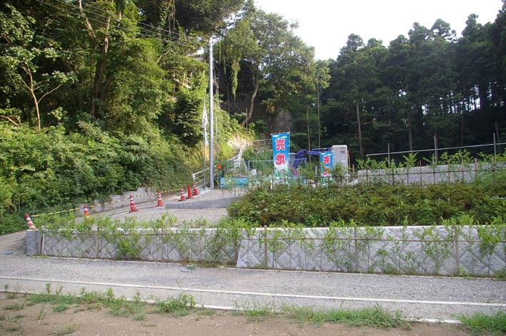 町内会が鎌倉市、大源にテストコートの開発中止を要望_c0014967_1121743.jpg