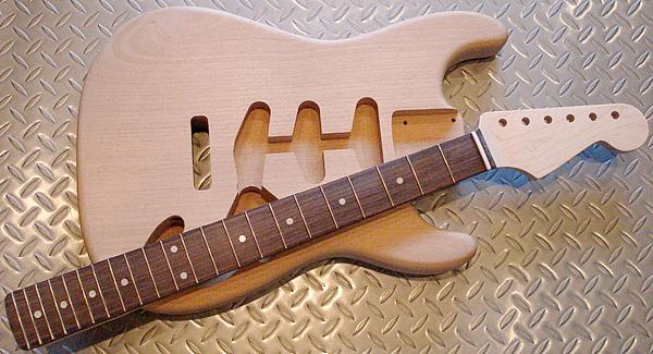 来月(9月)に、「Traditionalcasterを2本」発売します!_e0053731_19393016.jpg