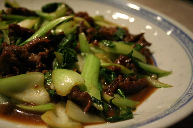 牛肉と青梗菜炒め・・・焼き肉のタレで♪_f0141419_10274065.jpg