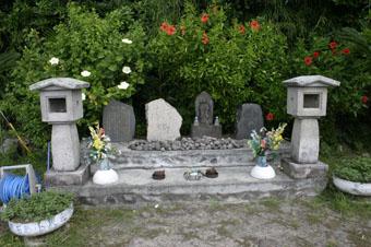 ボゼ神in悪石島 (その1)_e0041337_18345825.jpg