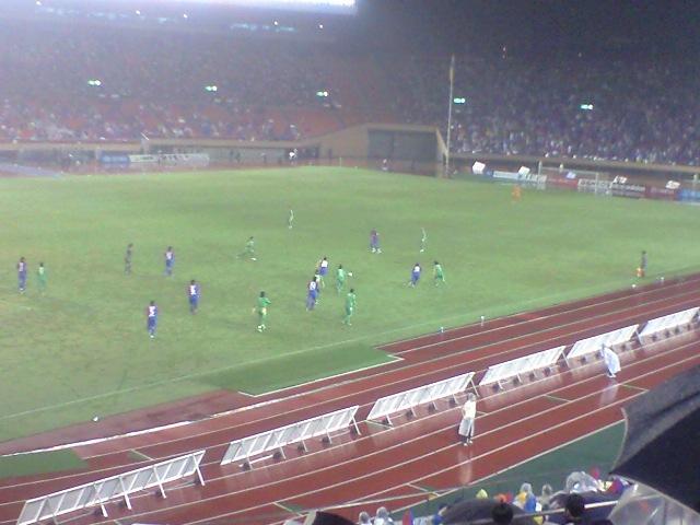 雨の日のサッカー_b0159631_021193.jpg