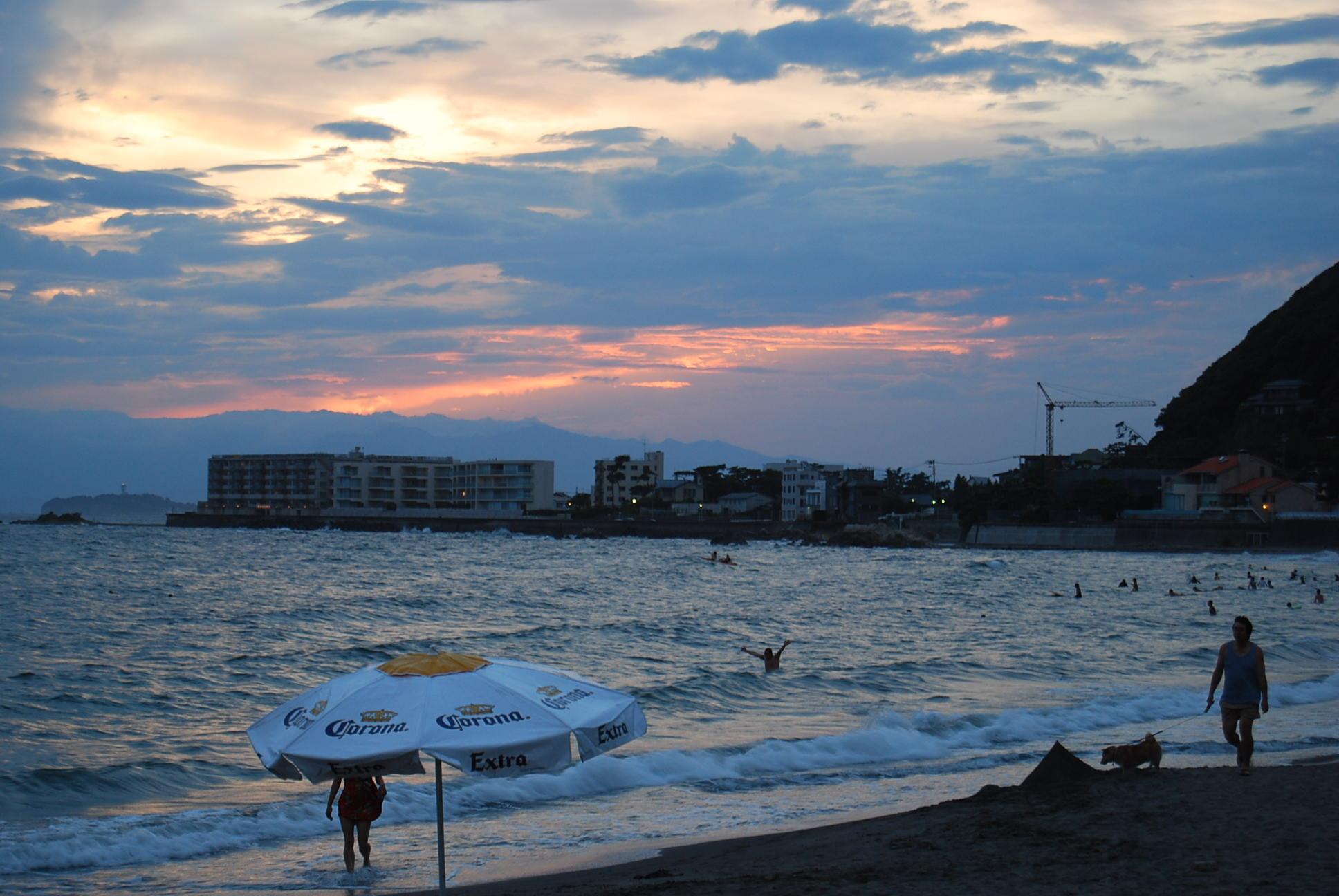 海の家の夜_e0142956_21502366.jpg