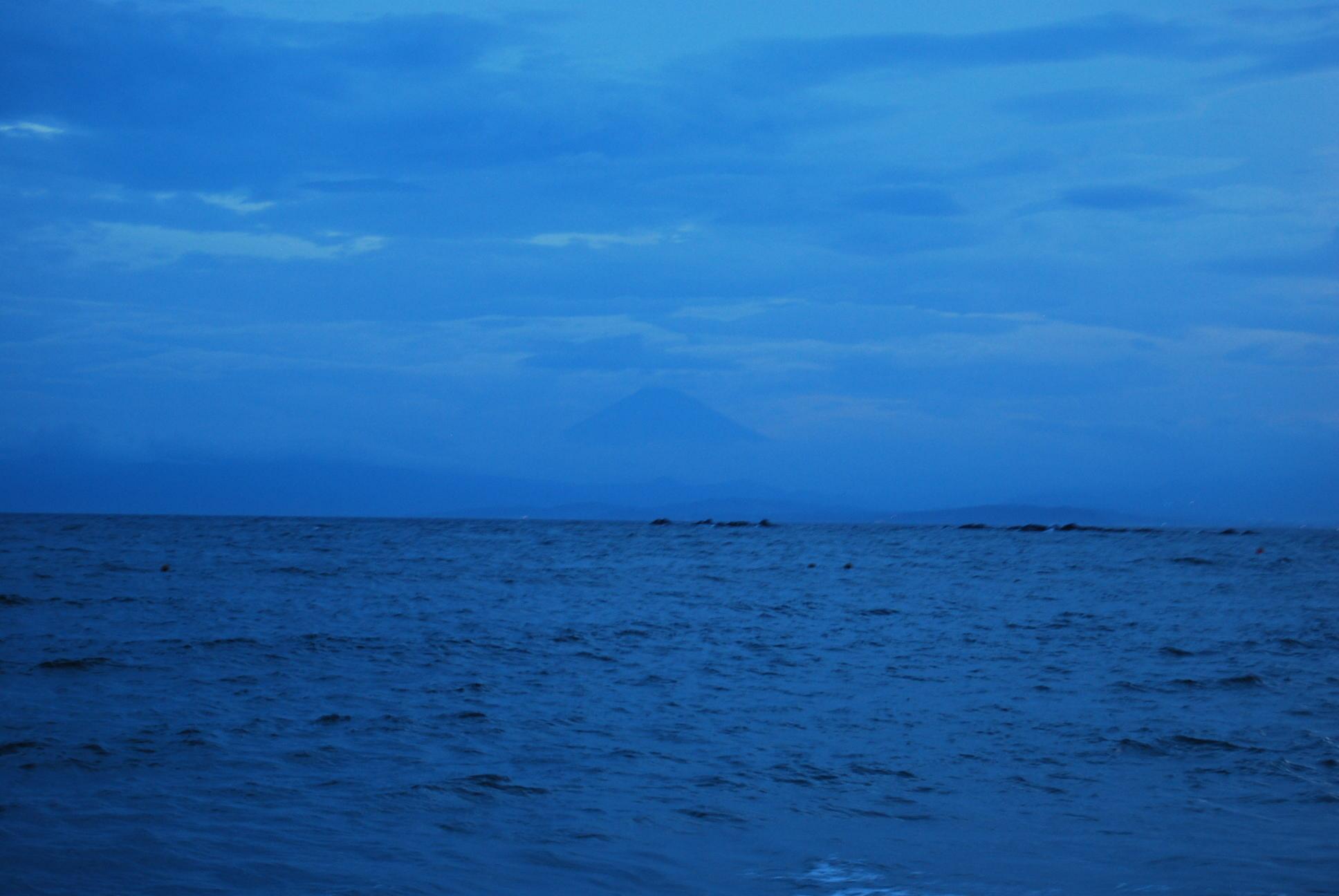 海の家の夜_e0142956_21510100.jpg
