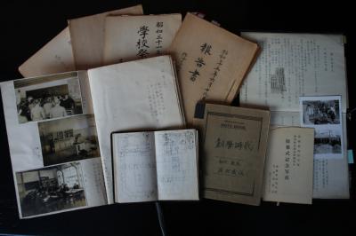 函館市立中学校の資料到着_f0147468_2111494.jpg