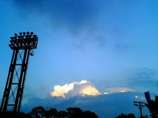 08.08.31 広く青い空の時間_e0038558_23592668.jpg