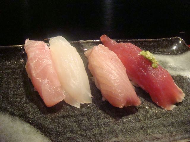寿司屋ならここが好き、_d0100880_6432476.jpg