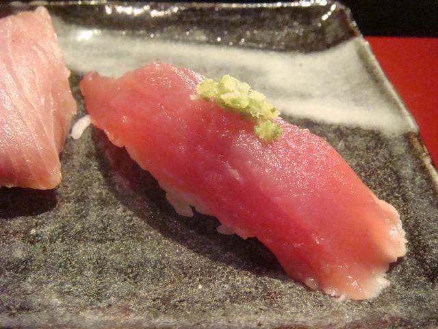 寿司屋ならここが好き、_d0100880_6434635.jpg
