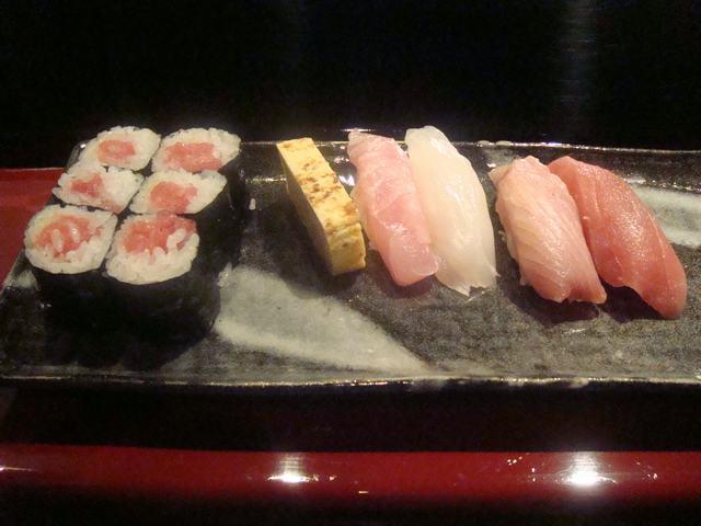 寿司屋ならここが好き、_d0100880_6443985.jpg