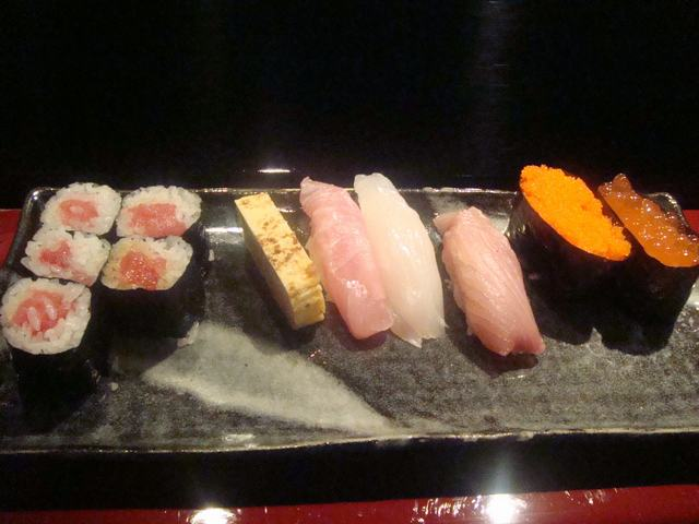 寿司屋ならここが好き、_d0100880_6452861.jpg