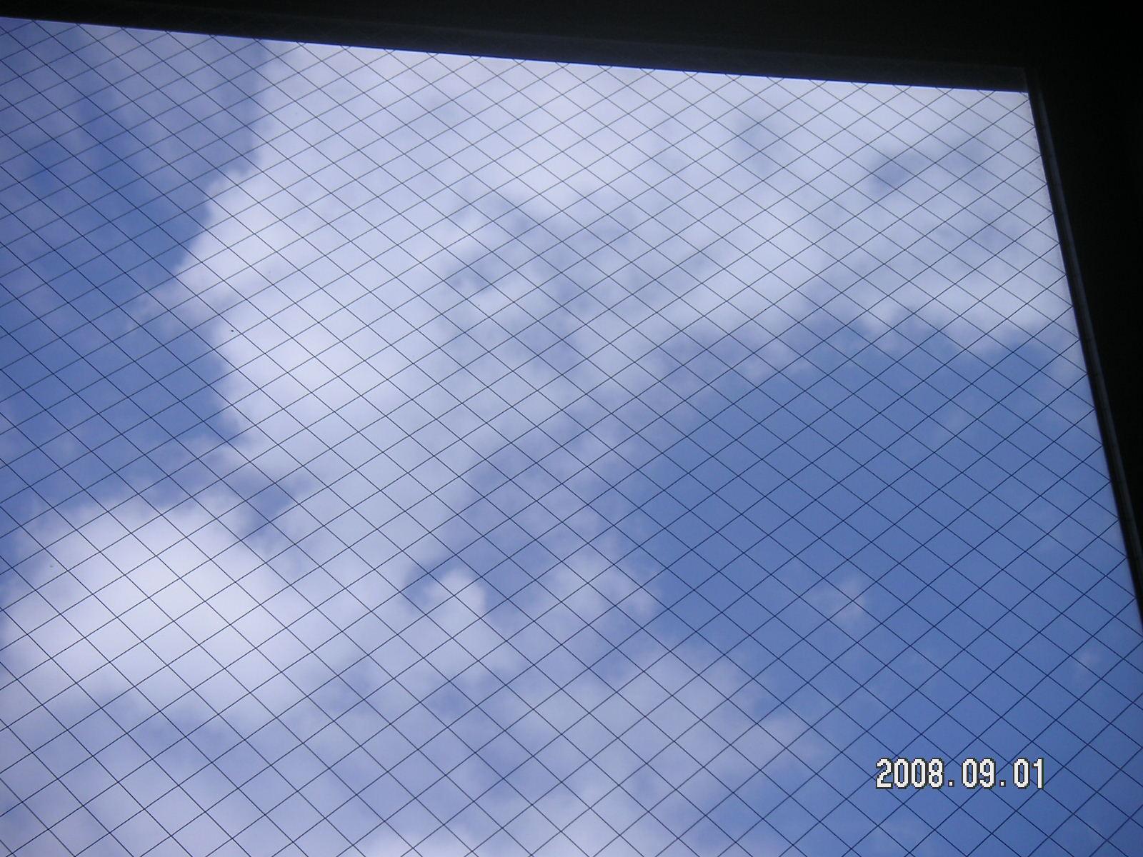 窓_f0146802_2236236.jpg