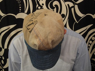 帽子ですよ。_d0121303_1373299.jpg