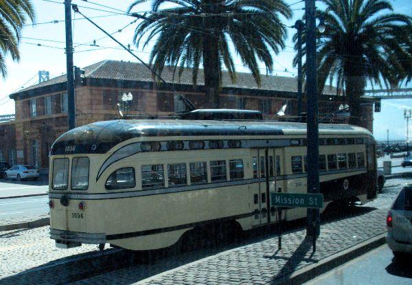 バスから写したサンフランシスコ_e0098241_1654381.jpg