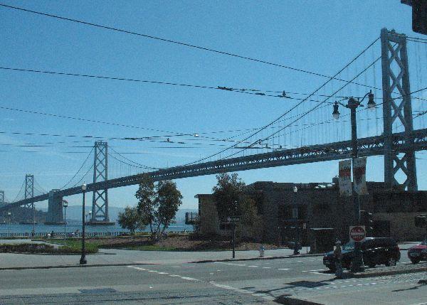 バスから写したサンフランシスコ_e0098241_1663451.jpg