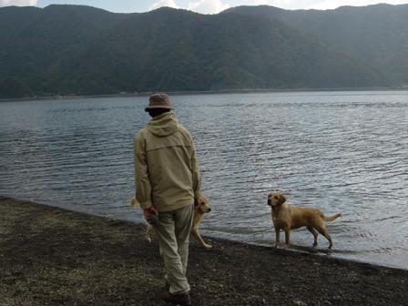 西湖でハナちゃんの初泳ぎ成るか!(その2)_f0064906_2030541.jpg