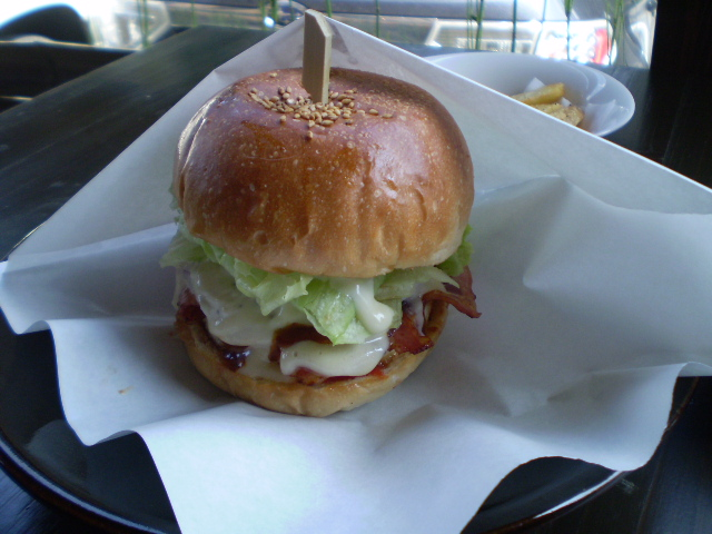 KING GOD BURGER_c0177814_9594759.jpg