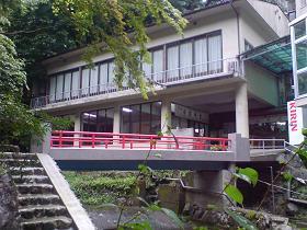 滝を越えて一心亭に蕎麦を食べに行く SOBA at Okutama valley_c0030645_2144263.jpg