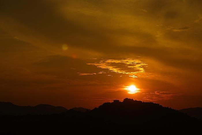 千光寺山へ沈む夕日_c0152379_6223314.jpg