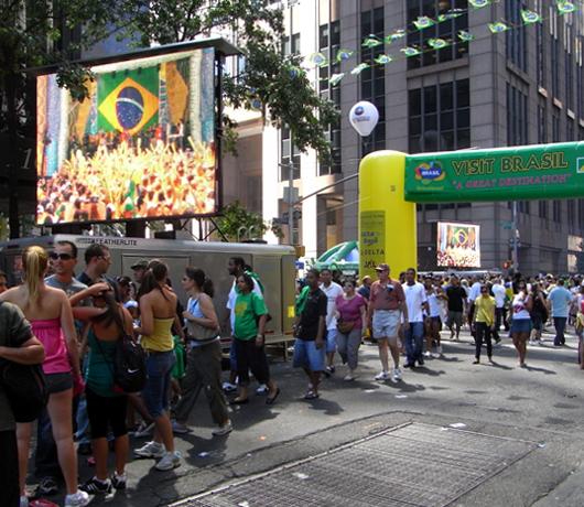 ブラジル国外では世界最大のお祭り Brazilian Day Festival_b0007805_1314826.jpg