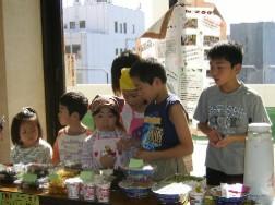 子どもの経済の学習とリサイクル「お店屋さんコーナー」_f0179816_1253441.jpg