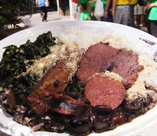 ブラジルのお祭りで食べたブラジルの家庭料理(正式名称は不明)_b0007805_1239947.jpg