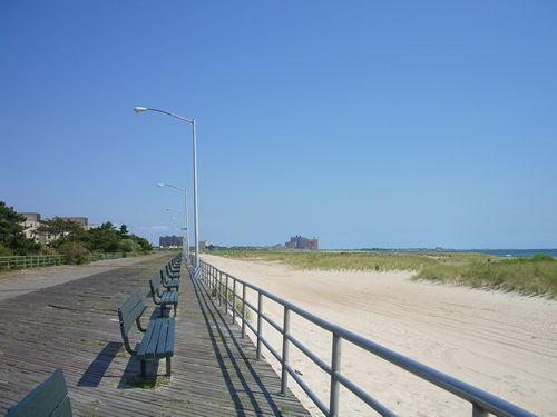 夏の終わりのビーチ part1_c0064534_22173633.jpg