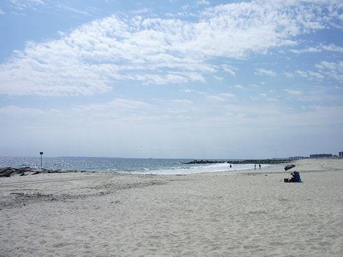 夏の終わりのビーチ part1_c0064534_22175425.jpg