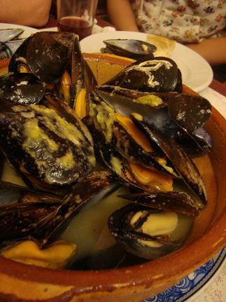 「マドリッド一番のムール貝の店」El Rocío ~Madrid~_e0120938_1924738.jpg