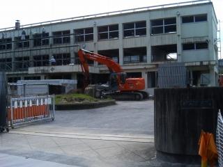 久世中学校解体工事_f0151251_11254886.jpg