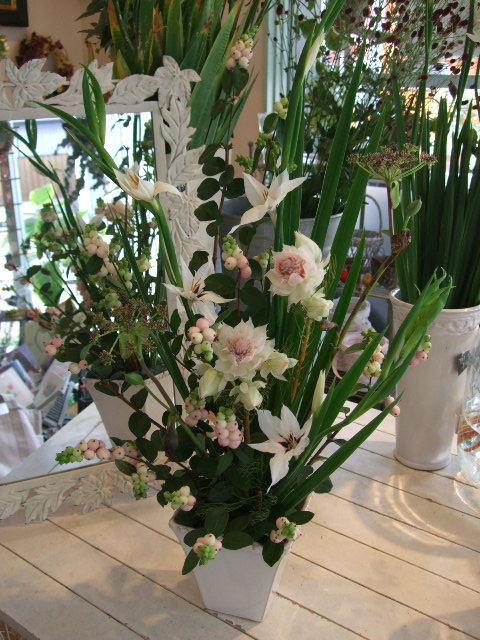 オークリーフ花の教室(山田さんの作品)_f0049672_1329231.jpg