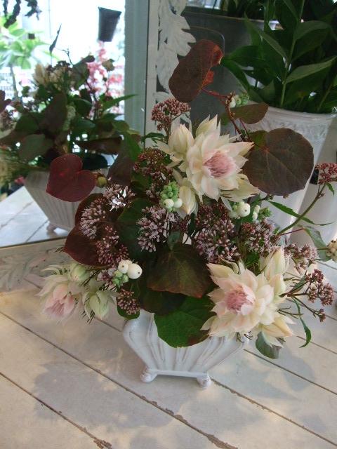 オークリーフ花の教室(中山さんの作品)_f0049672_133812.jpg