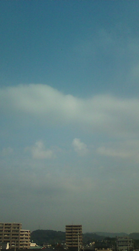 昨日よりは雲多く、雨に注意_e0094315_7305169.jpg