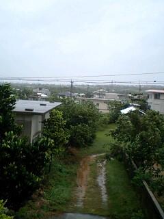 台風接近中_e0131462_10514737.jpg
