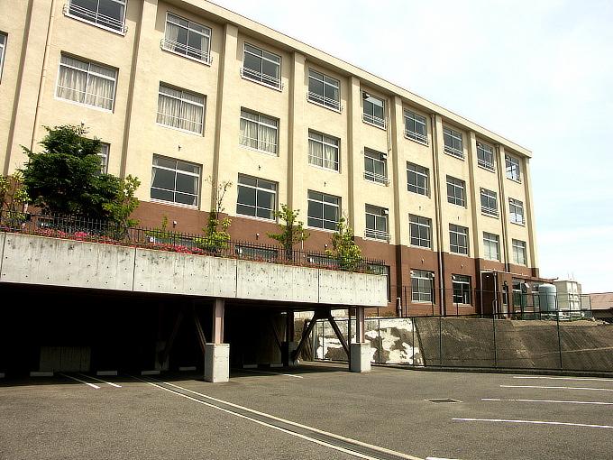 旧神戸市森高等女学校校舎(神戸学院大学付属高等学校)_f0116479_20493184.jpg