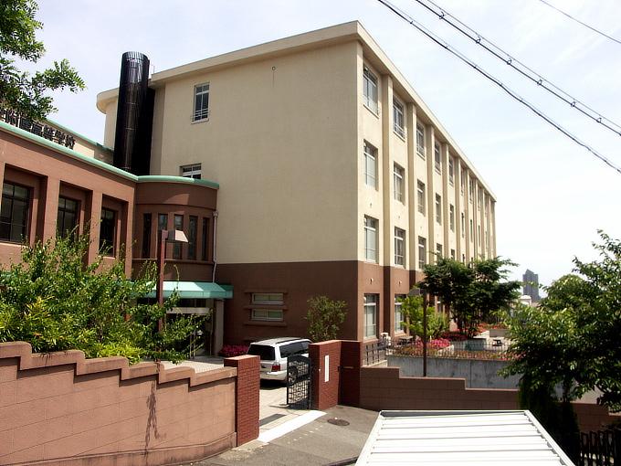 旧神戸市森高等女学校校舎(神戸学院大学付属高等学校)_f0116479_2051462.jpg
