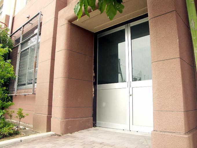 旧神戸市森高等女学校校舎(神戸学院大学付属高等学校)_f0116479_2172241.jpg