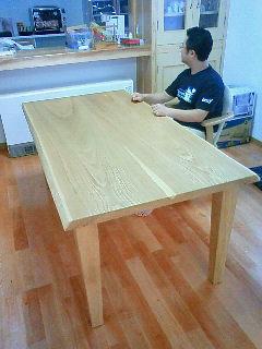 幸せの食卓テーブル_b0130512_12235650.jpg