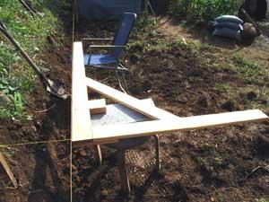 畑に物置小屋が出来るまで 2_c0063348_22455469.jpg