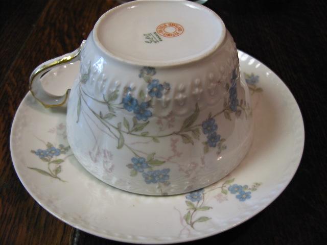 コーヒカップの図柄を刺繍図案に起こすの巻_d0101846_6265590.jpg