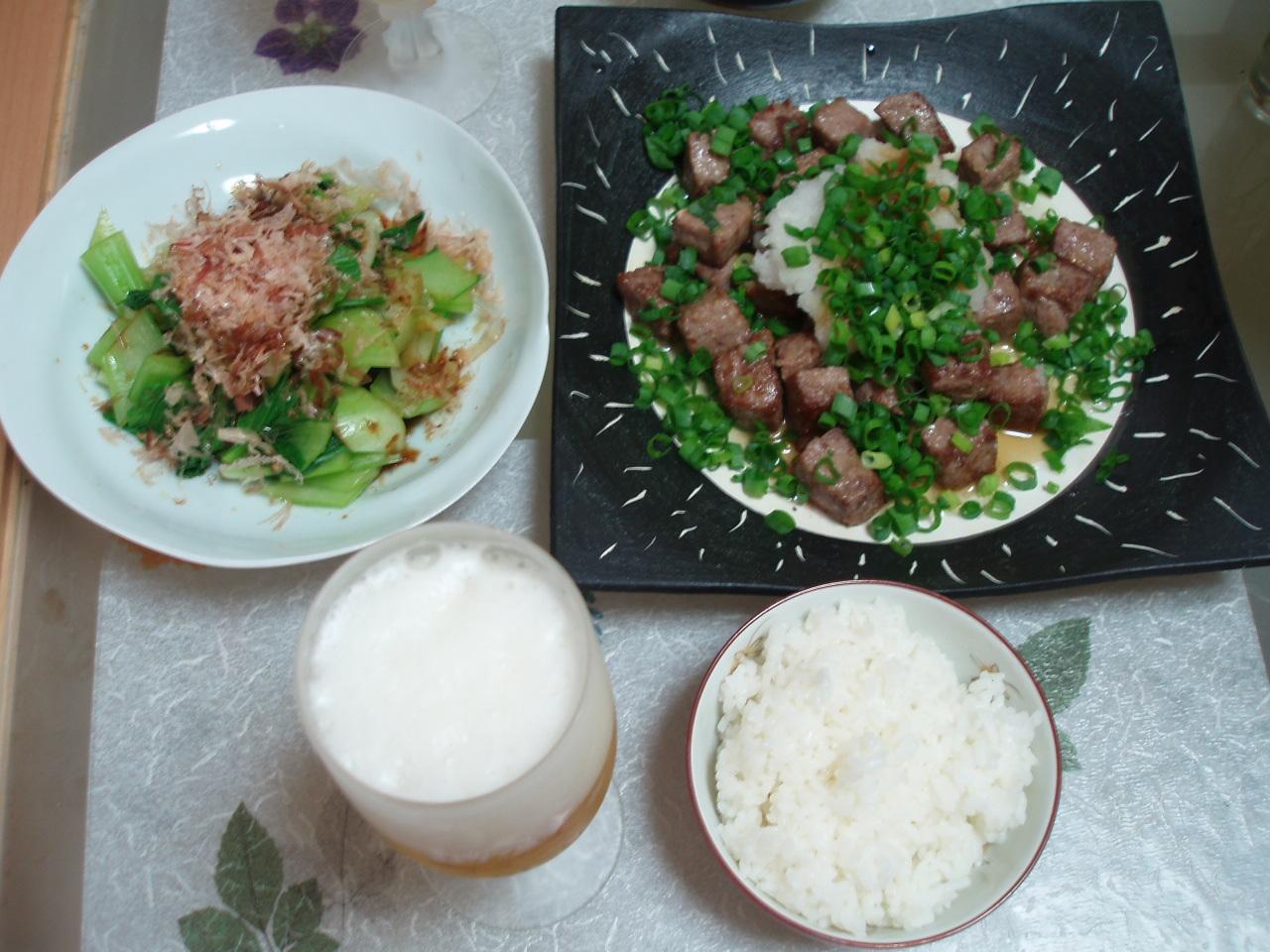 久しぶりに食事を作りました♪「特製コロコロステーキ」です♪_b0137453_11323629.jpg