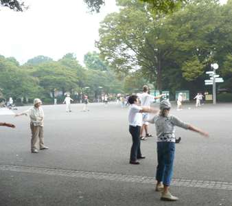 上野公園デビュー_c0161724_23573624.jpg