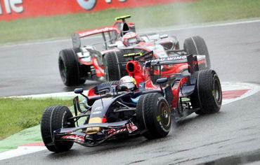 【F12008】イタリアGPは、ヴェッテルの独り舞台 ポールツゥウィンで史上最年少優勝を飾る_b0077271_8385742.jpg